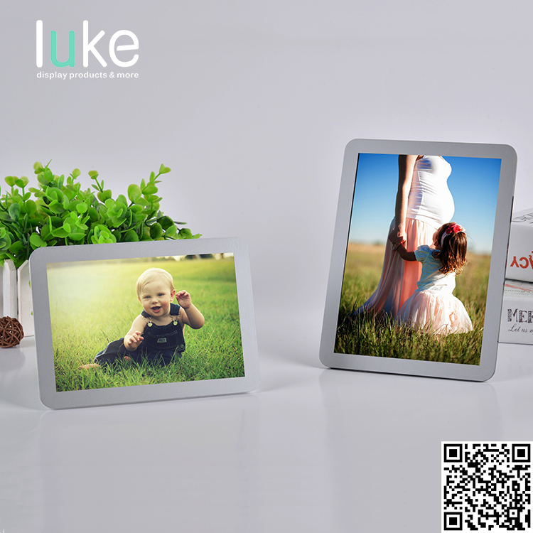 Portable transparent acrylic magnetic photo holder picture frame