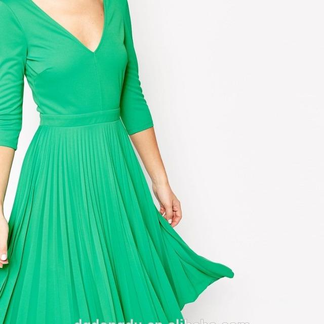 2016 hot sell Summer dresses long sleeve deep v neck skater dress /long sleeve girls bubble skirt