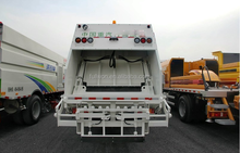 Sale 10.00R20 tyre 4x2 electric garbage truck