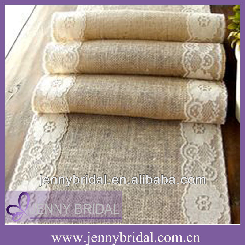 TR004B Fancy wedding burlap and lace table runner