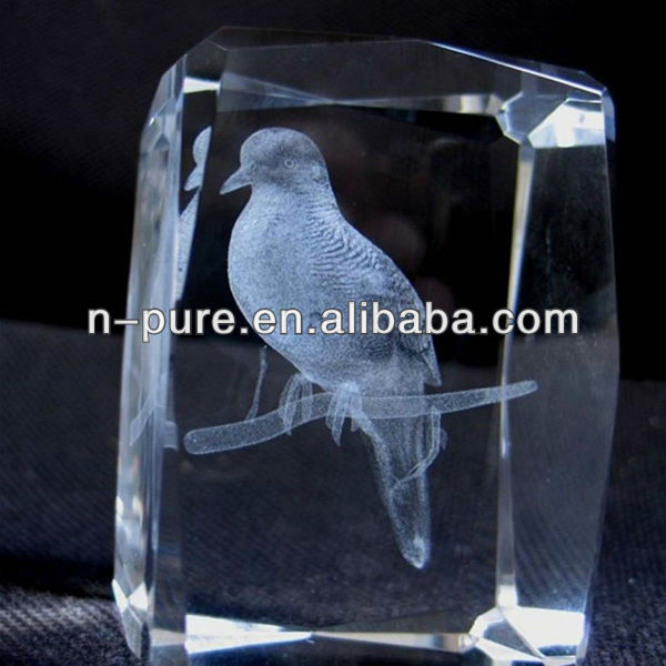 Delicated 3D Laser Etched Crystal Cube of Animal