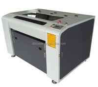Auto Focus motorized up and down table red dot pointer 1600*1000mm co2 Paper wood laser cardboard laser cutting
