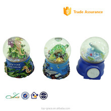 sea animal ocean blue resin mini snow globes souvenir with fridge magnet