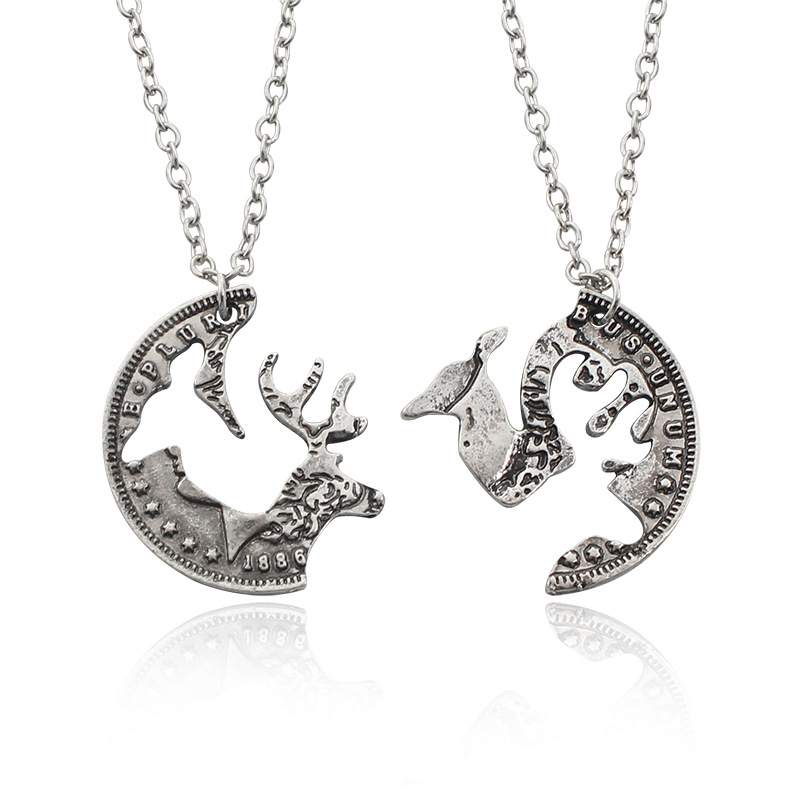 Europe Retro Animal Hunting Jewelry Deer Head Best Friend Hollow Elk Stitching Necklace