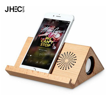 2018 retro style triangle dual 3W mobile phone holder wireless amplifier wooden portable speaker