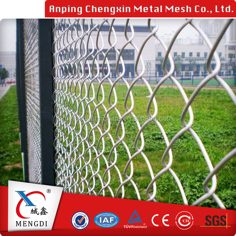 Hot dip galvanized chain link fence covering