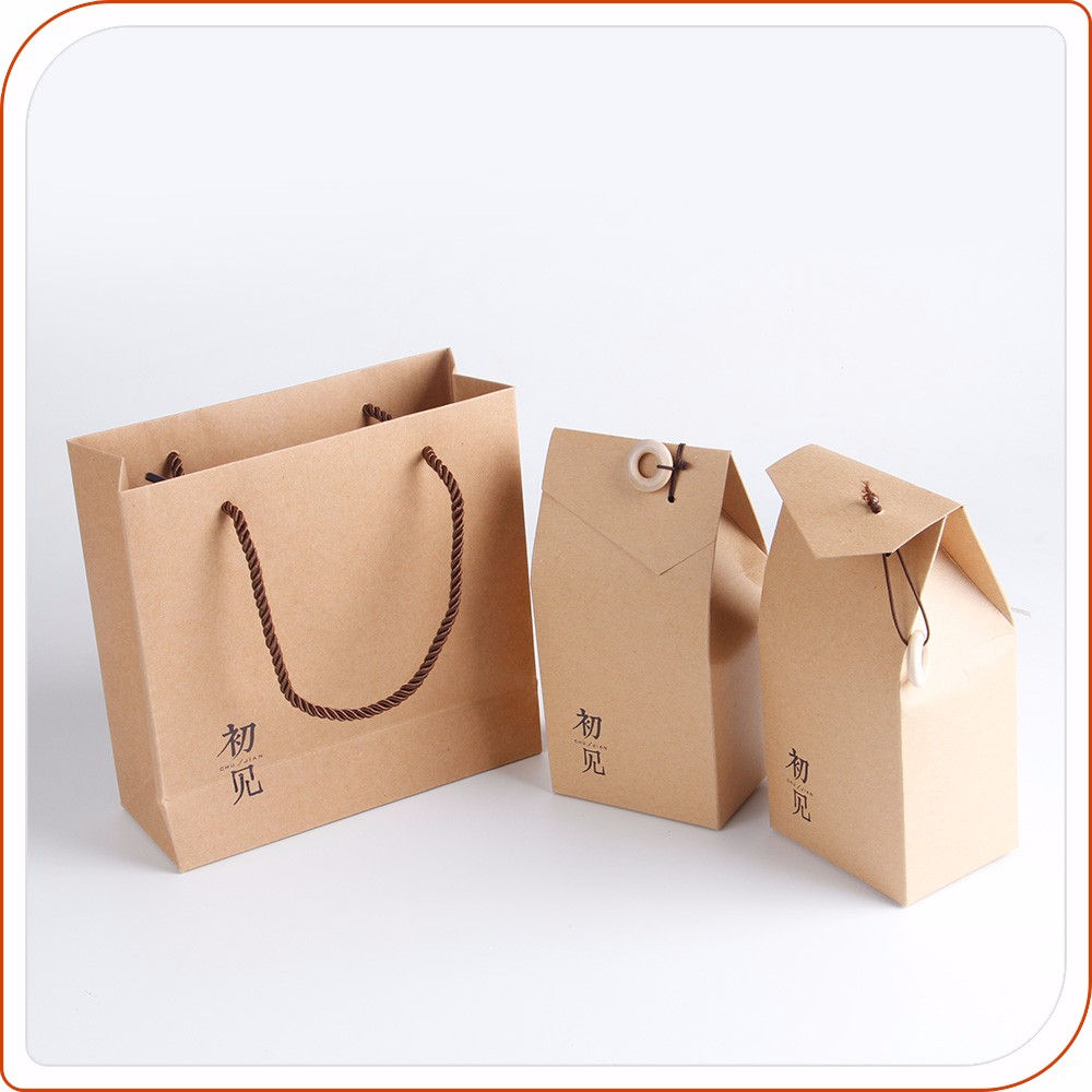 Retail natural recycled famous brand kraft paper bag packaging