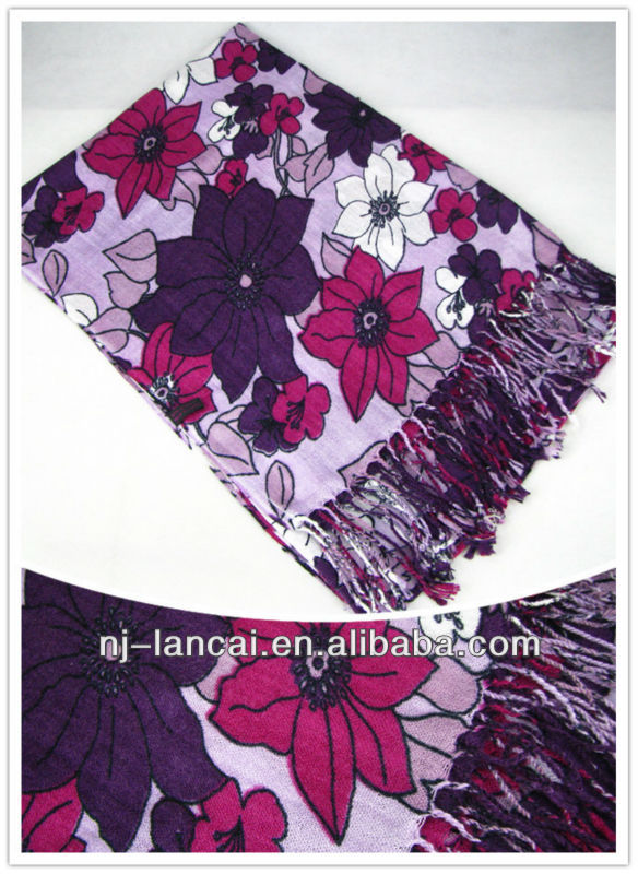 2013 fashion flower print cotton woven scarf with tassels