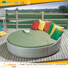 Cheapest price garden round daybed used outdoor furniture wicker rattan pool sunbed