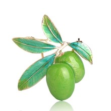 Wholesale Cute Green Dates Brooch Plum Shape Enamel Corsages Pins Scarf Accessories Christmas Gifts Fruit Brooches