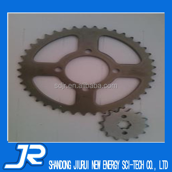 2015 China high quality CD70 motorcycle chain and sprockets