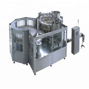 Automatic PET bottle carbonated beverage juice filling machine with good price carbonation machinery with capping and labeling