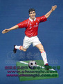 Promotion OEM sport man resin/plastic football player figurine