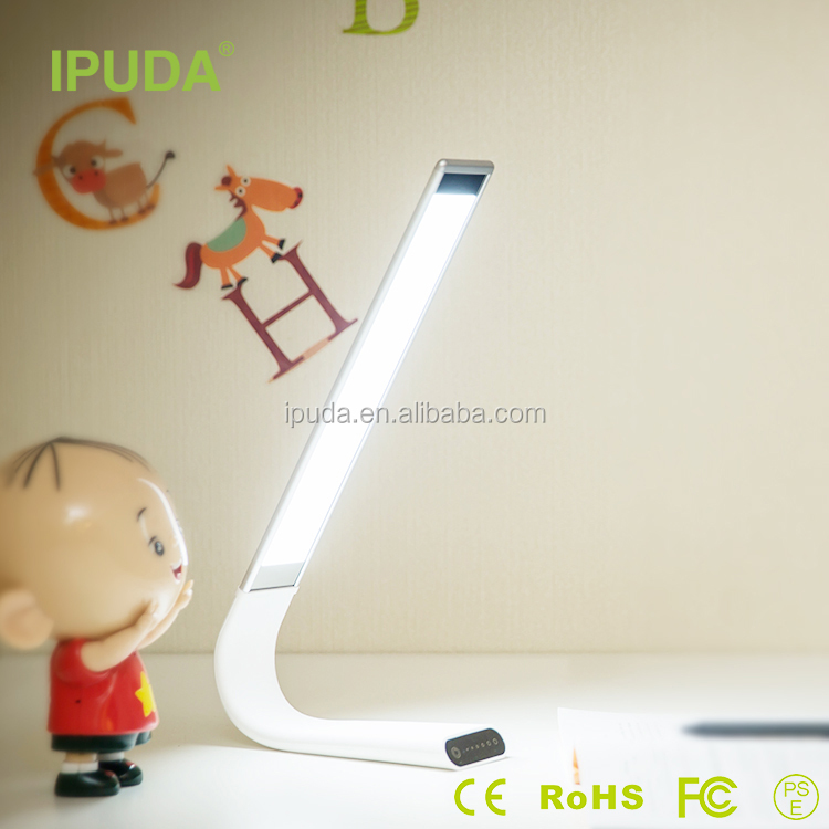 2017 new products IPUDA indoor battery operated led table lamp with flexible neck