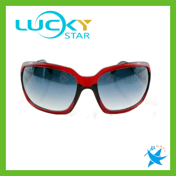 Italy Design CE Sunglasses Women Made in China Fashionable Sunglasses Metal Plastic Frame
