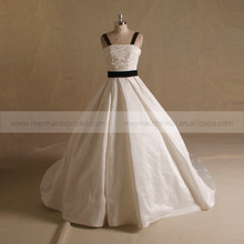 Terse Boat Neck Pleat Bow Satin Wedding Dress With Long Train Black & White