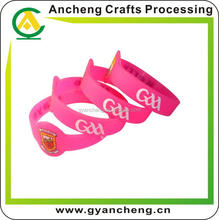 free design embossed lovely cheap wristband for gift