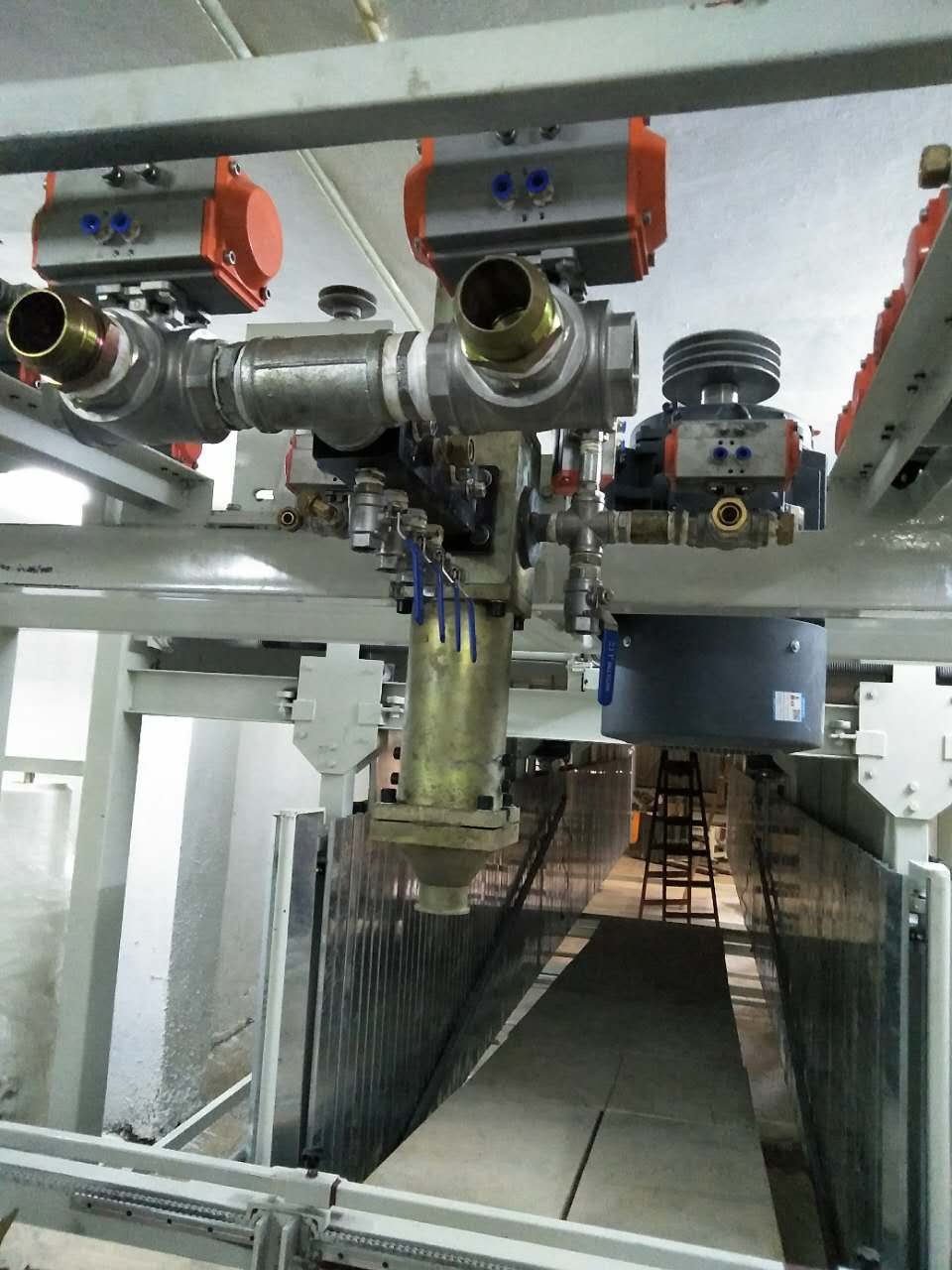 Horizontal automatic continuous foaming produce machine