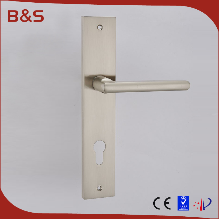 Good quality OEM zinc alloy safe toilet partition door lock door handle with plate
