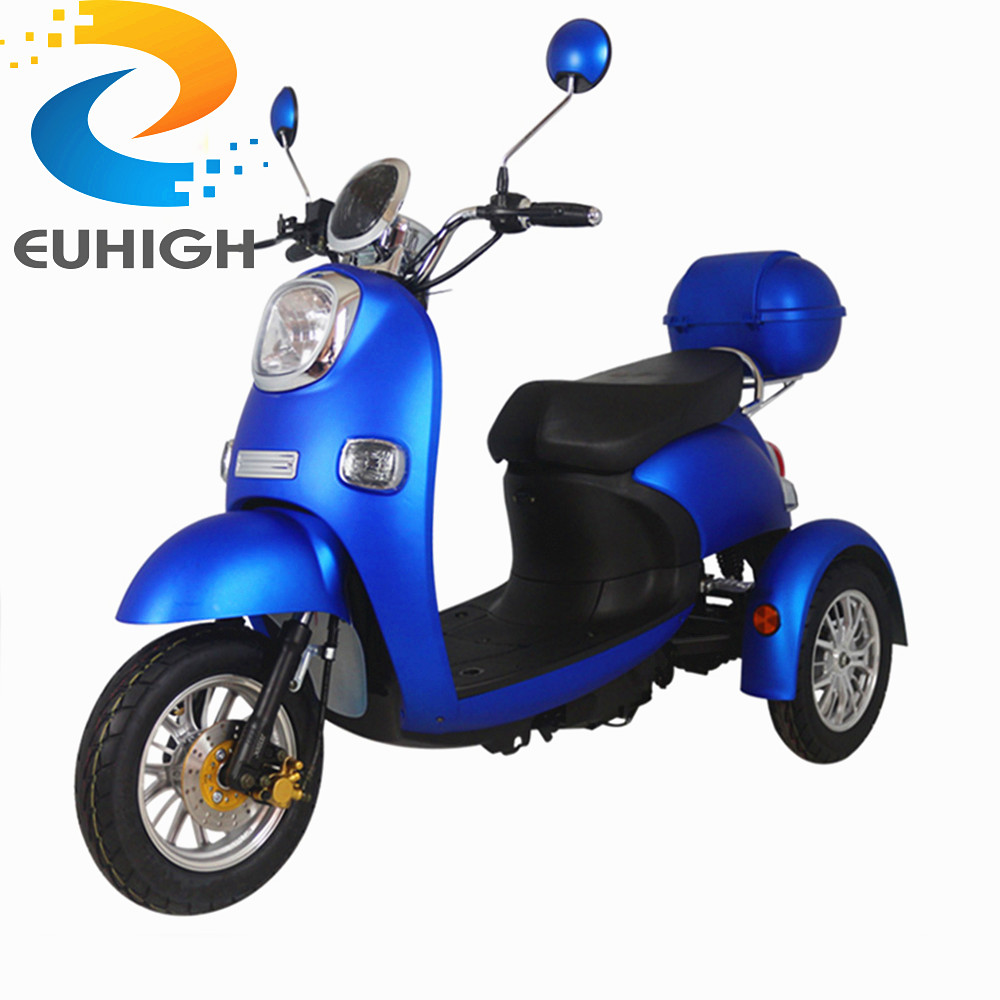 China Best Electric Motorcycle Full Size E Scooter with Pedals
