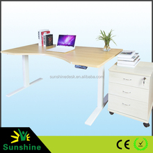 Automatic height adjusting office desk