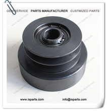 Heavy duty gasoline engine centrifugal clutch pulley