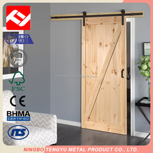 New products 2017 interior solid wood slabs sliding barn door wood panel door design