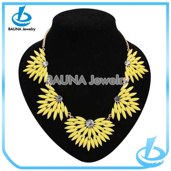 Neon yellow woman's high end fashion jewelry necklace wholesale