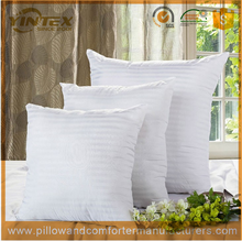 soft and warm jacuqard cotton fabric polyester filled cushion