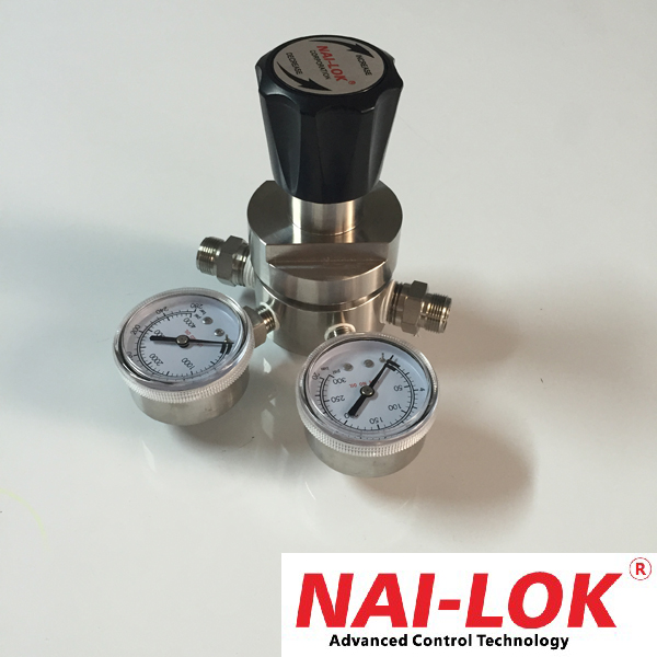 Gas pressure regulator with ralated fittings and tubes avaliable