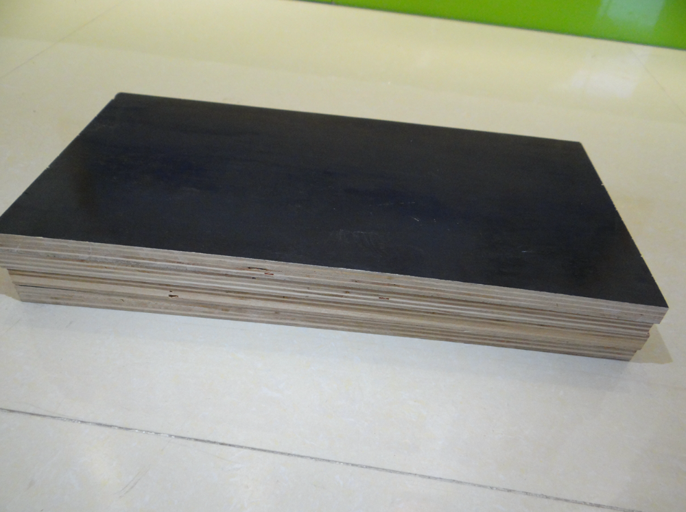 High Quality shuttering plywood brown / balck 18mm film faced plywood poplar core