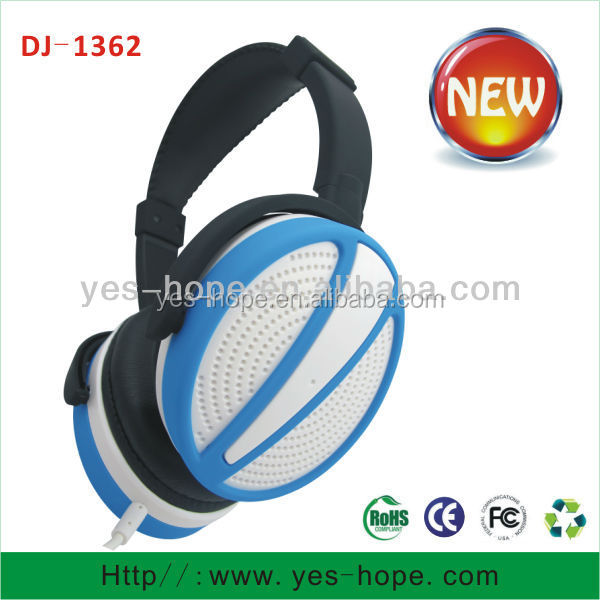 Stereo headset stylish over ear headphone fashion design head phone from China