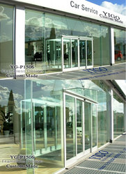 glass brick walls / ruggles houston / external glass walls
