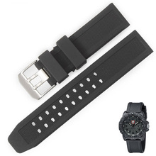 Interchangeable 22mm silicone strap watch