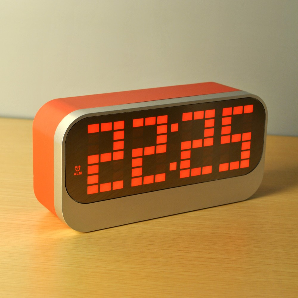 LED digital smart alarm clock with Canlendar Thermometer with USB charge