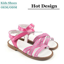 2015 children shoes fashion pink patent leather/ suede girls sandals with strass stones