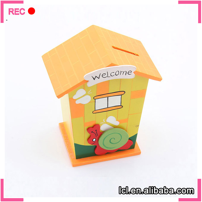 Personalized money box design, house shaped custom money box