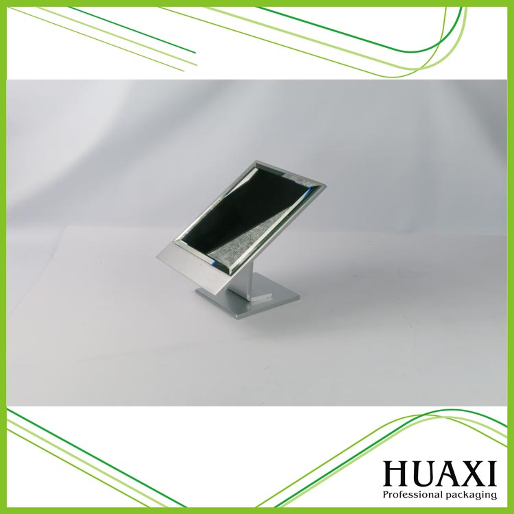 High Quality Small Metal Jewelry Display Stand