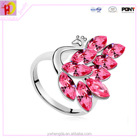 Colorful and beautiful cup chain diamond peacock finger ring