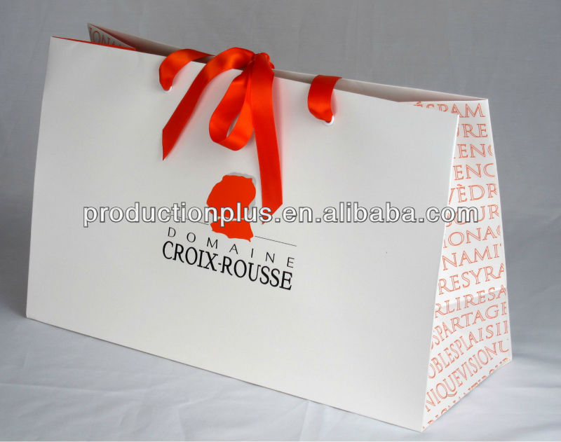 Custom brand shopping bag with ribbon