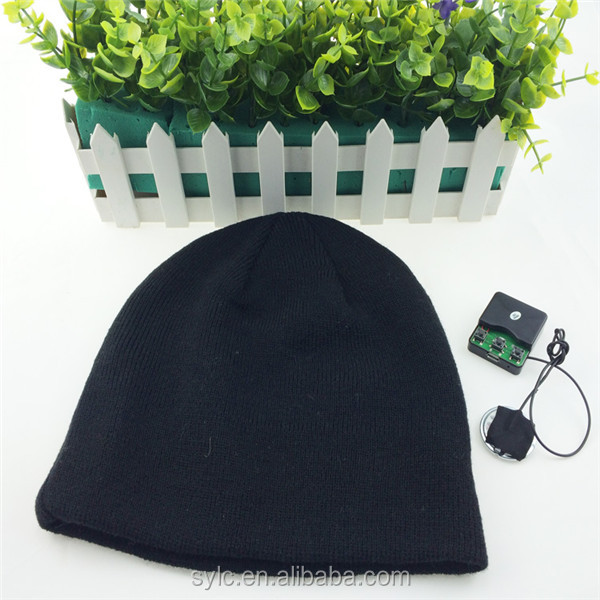 Comfortable Knitted Custom bluetooth gloves and beanie