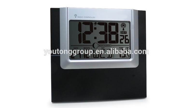old Radio Controlled Wall Clock led digital battery operated