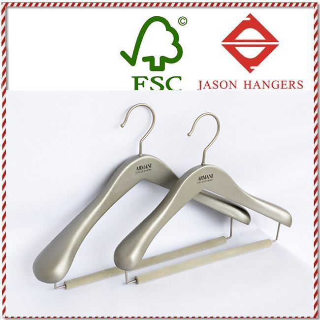 DL0922 Luxury wooden clothes hangers with flocking bar