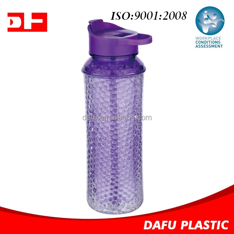 2017 New design BPA Free Double wall Tritan cool gel bottles plastic freezing water bottle