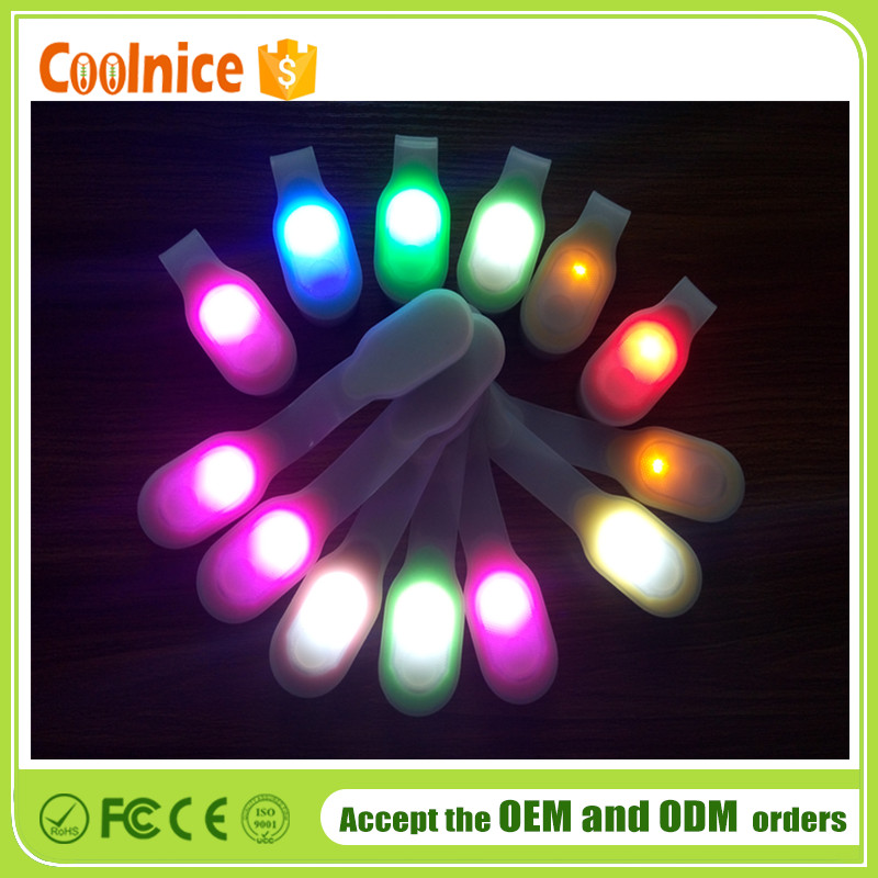High quality Flashlight Silicone LED Clips on Magnetic to Clothing