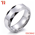 Made in china new model wedding ring,single stone ring designs ,fashion ring finger rings photos plane ring with faceted