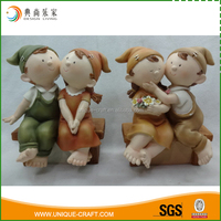 Best quality home decor green and brown resin children garden statues