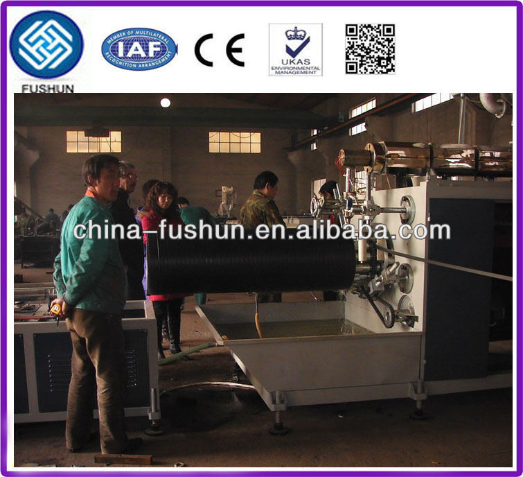 Plastic pipe extrusion production line with hdpe hollow wall winding pipe machine