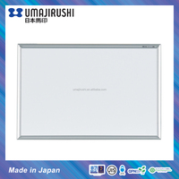 Portable magnetic mini whiteboard