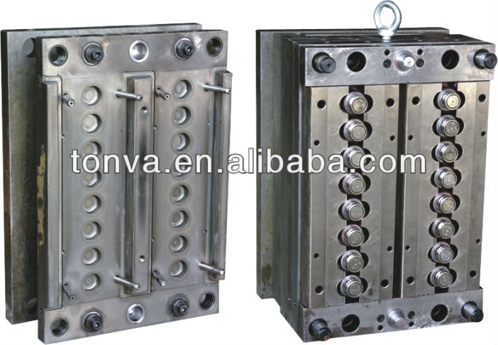 multi-cavity plastic injection moulding